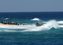 Biển Đông dậy sống, lòng dân nguội lạnh? Ảnh: Tầm nhìn