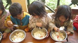 Bữa cơm có thịt nhờ những hoạt động của một xã hội dân sự (Sàng Ma Sáo)