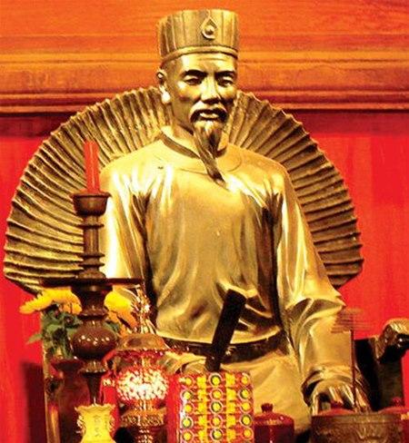 Tượng Chu Văn An ở Văn Miếu Hà Nội, mới đúc năm 2003