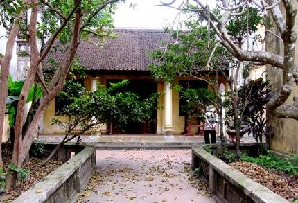 Đền thờ Nguyễn Trãi ở Nhị Khê