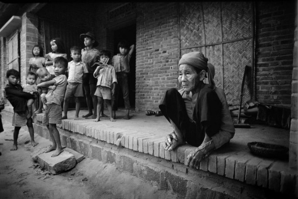 Philip-Jones-Griffiths-Vietnam-1980-26