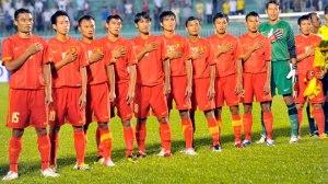 Đội tuyển Việt Nam hát Quốc ca trước khi vào trận đấu