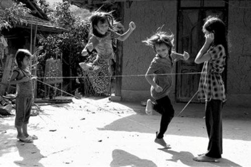 Ấu thơ trong phần lớn những cô nàng 8X sẽ có trò chơi nhảy dây