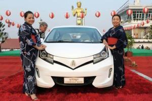 """Chiếc xe """"Angkor EV 2014"""" tại buổi lễ ra mắt ở tỉnh Kandal"""