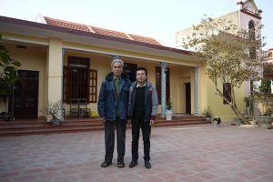 Có những ngôi nhà thực sự tình nghĩa, như nhà của ông Phạm Gia My. Bạn bè liệt sỹ Phạm Gia Thiều, thời anh học ở đại học Hàng hải đã góp 500 triệu xây nhà tặng ông.