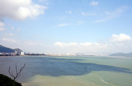TP Quy Nhơn nhìn từ đường lên đỉnh Xuân Vân