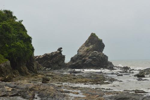 Tảng đá gắn liền với sự tích Ông Đụn, Bà Che