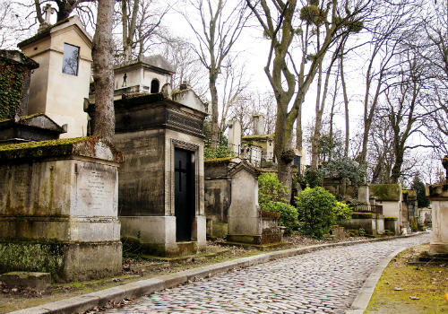 10. Nghĩa trang Pere-Lachaise, Paris, Pháp.