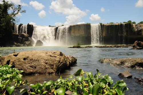 Thác Dray Nur, một trong những ngọn thác đẹp của mảnh đất Tây Nguyên