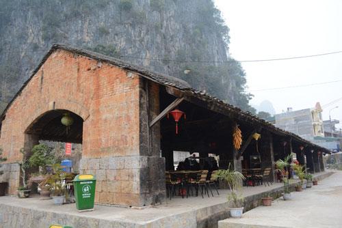 Phố cổ Đồng Văn.