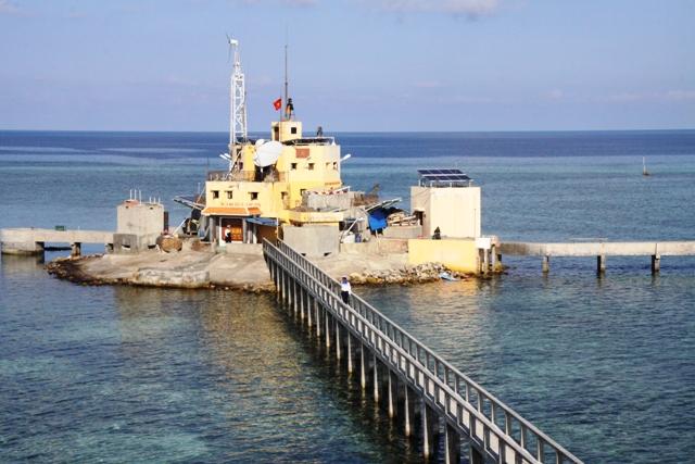 Đảo Đá Tây B