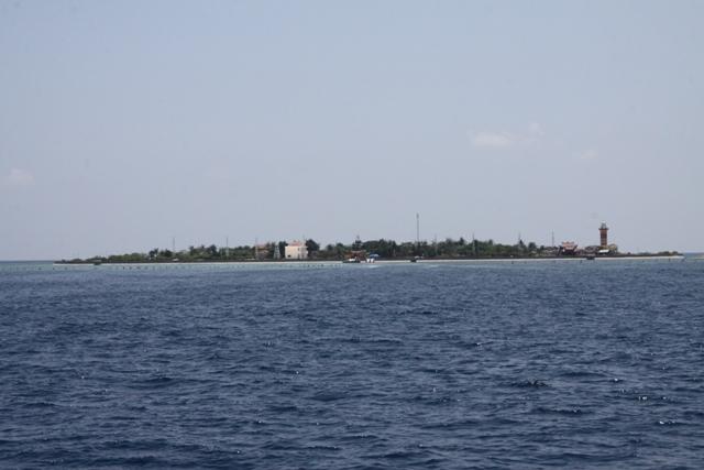 Đảo nổi Sơn Ca đẹp như một khu sinh thái trù phú giữa Biển Đông
