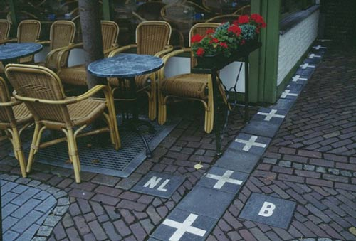 Đường biên giới hoà bình giữa Bỉ và Hà Lan.