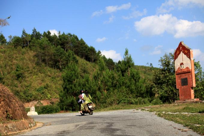 Đỉnh đèo Pha Đin trên đường 6 cũ, nơi Sơn La gặp Điện Biên