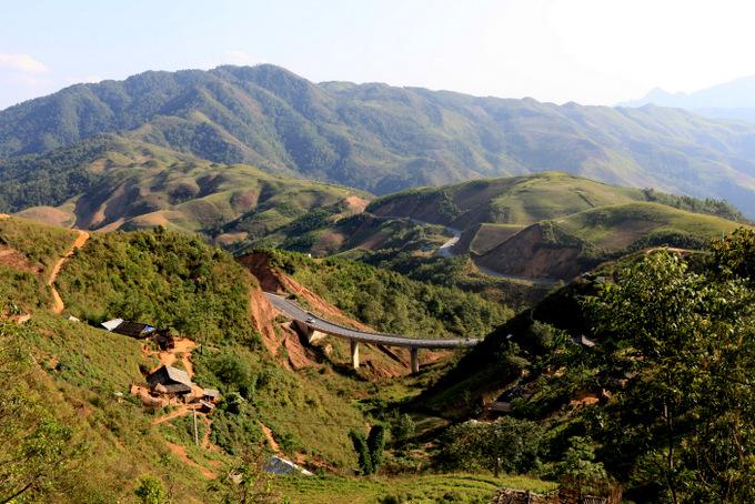 Quốc lộ 6 mới trên cao nguyên Tả Phìn