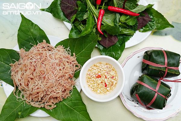 Nem chua Yên Mạc có vị chua dịu, ăn kèm với lá sung, lá đinh lăng, lá ổi rất hấp dẫn