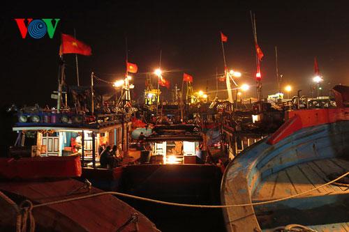 Ngư dân miền Trung kiên cường bám biển gìn giữ chủ quyền biển đảo thiêng liêng của Tổ quốc