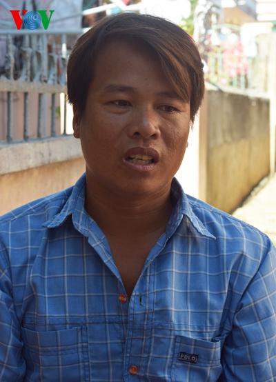 Ngư dân Nguyễn Chí khẳng định sự kiên quyết bám biển của mình cũng như những ngư dân khác của đảo