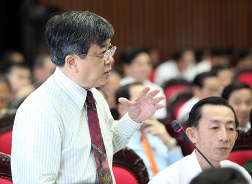 Đại biểu Quốc hội Trương Trọng Nghĩa đang phát biểu.