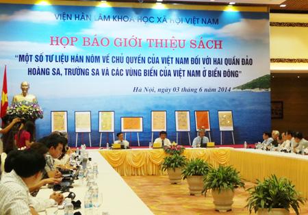 cong-bo-sach-HSTSVN