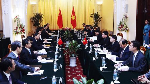 Theo tác giả chưa nên kết luận sớm về đường lối của VN trong quan hệ với Trung Quốc hiện nay.