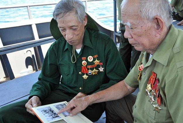 Những cựu chiến binh Cồn Cỏ trở về thăm lại chiến trường xưa - Ảnh:L.Đ.Dục