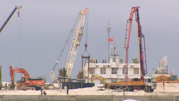 Trung Quốc đang xây dựng ở Johnson South Reef