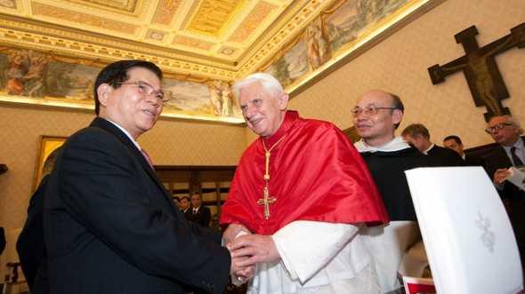Chủ tịch Nguyễn Minh Triết gặp Giáo hoàng Benedict tại Vatican năm 2009