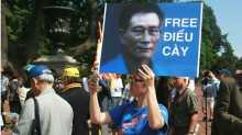 Khá nhiều tổ chức bấy lâu nay vận động gây sức ép tới Hà Nội để thả blogger Điếu Cày.