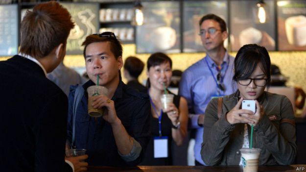 Starbucks được nhiều người trong giới trẻ Việt Nam ưa chuộng